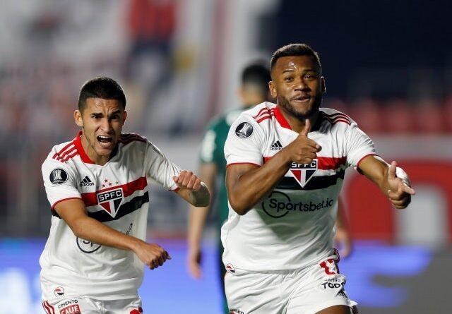 Luan de Sao Paulo celebra su primer gol contra Palmeiras, fotografiado el 10 de agosto de 2021